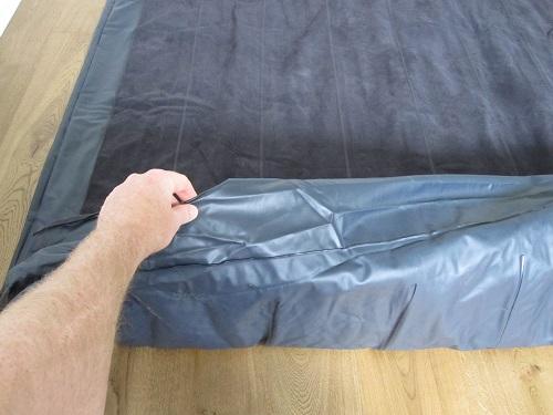 ein luftbett richtig zusammenlegen und verstauen. Black Bedroom Furniture Sets. Home Design Ideas